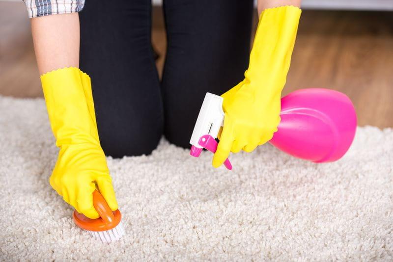Como-limpiar-un-sofá-de-tela-en-casa-pasos